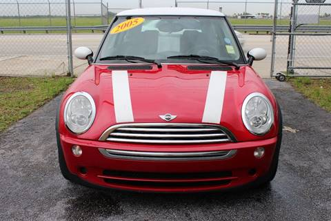 2005 MINI Cooper for sale at Vintage Point Corp in Miami FL
