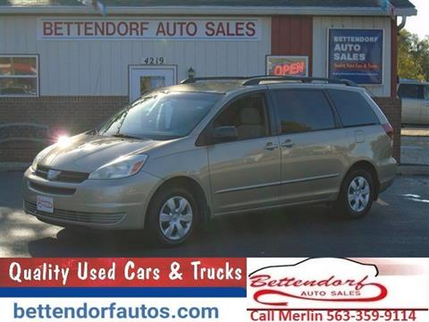 2004 Toyota Sienna for sale in Moline, IL