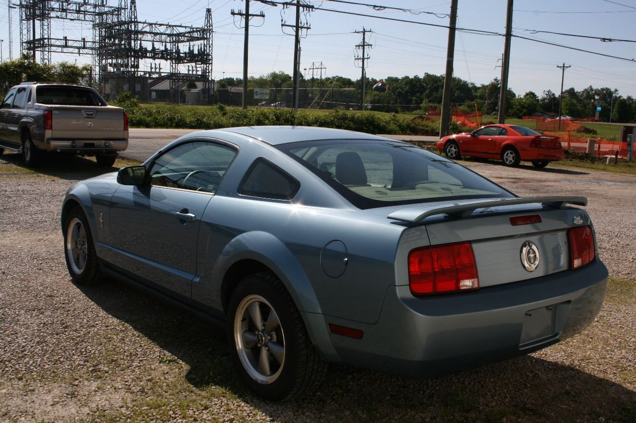 2006 Ford Mustang V6 Standard 2dr Coupe - Poplar Bluff MO