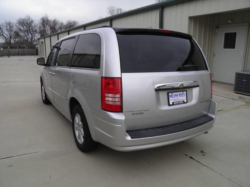 2010 Chrysler Town and Country Touring 4dr Mini-Van - Bossier City LA
