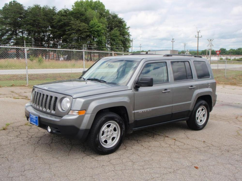 2012 JEEP PATRIOT SPORT 4DR SUV gray only 47k 24 liter 4 cylinder16 inch wheelsbody color do