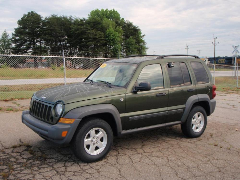 2007 JEEP LIBERTY SPORT 4DR SUV 4WD green 4x437 liter 6 cylinder16 inch alloy wheelsnew set o