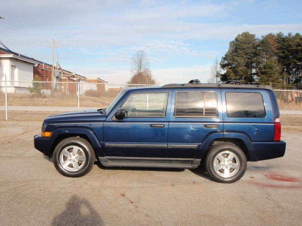 2006 JEEP COMMANDER BASE 4DR SUV navy blue 37 liter v617 inch alloy wheelsdeep rubber tiresfo