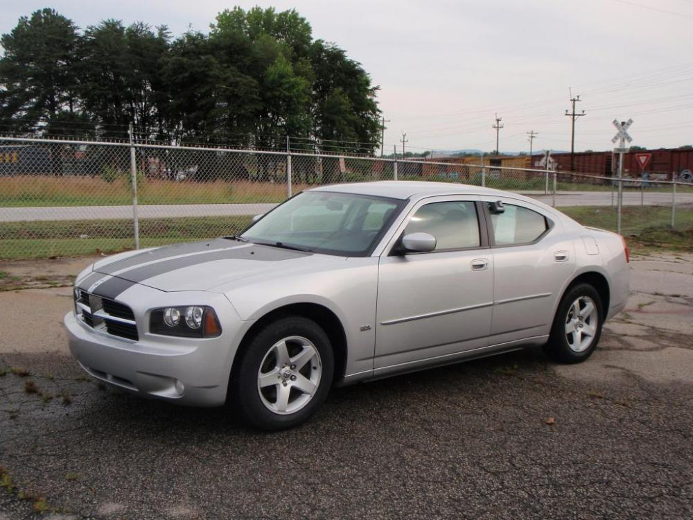 2010 DODGE CHARGER SXT 4DR SEDAN silver 35 liter 6 cylinder17 inch alloy wheelsgoodyear tires