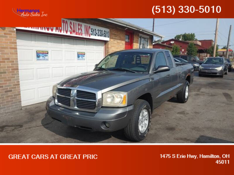 2006 Dodge Dakota for sale at HERMANOS AUTO SALES INC in Hamilton OH