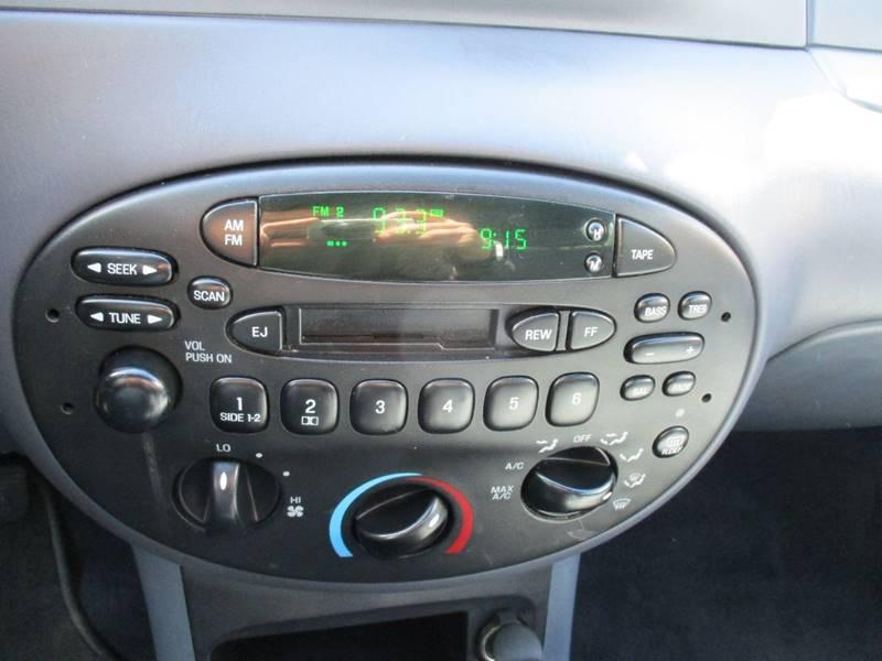 1999 Ford Escort SE 4dr Sedan - Des Moines WA
