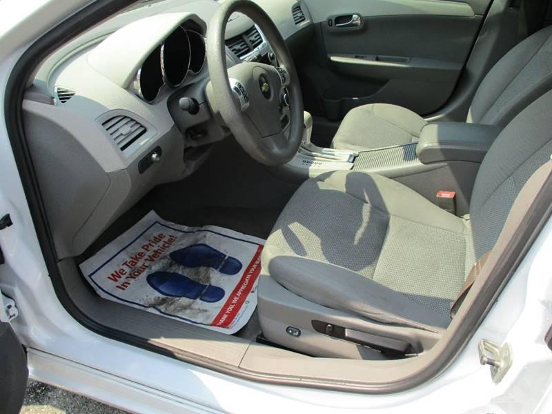 2011 Chevrolet Malibu LS 4dr Sedan - Des Moines WA