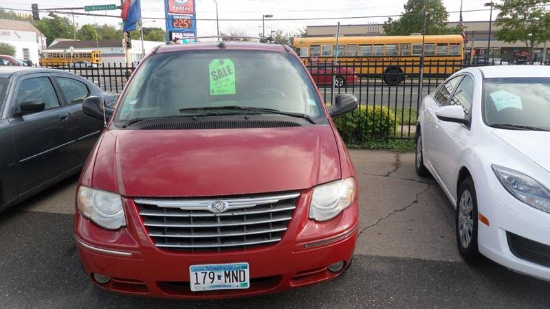 2005 Chrysler Town and Country for sale at Minuteman Auto Sales in Saint Paul MN
