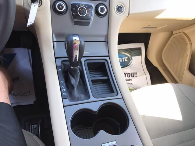 2013 Ford Taurus SE 4dr Sedan - Greenwood IN
