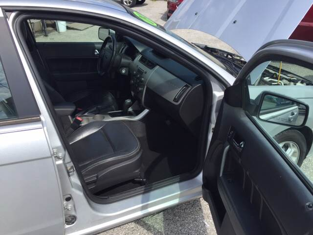2009 Ford Focus SES 4dr Sedan - Greenwood IN