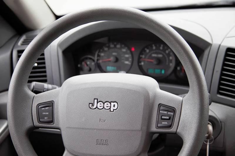 2005 Jeep Grand Cherokee 4dr Laredo 4WD SUV - Virginia Beach VA