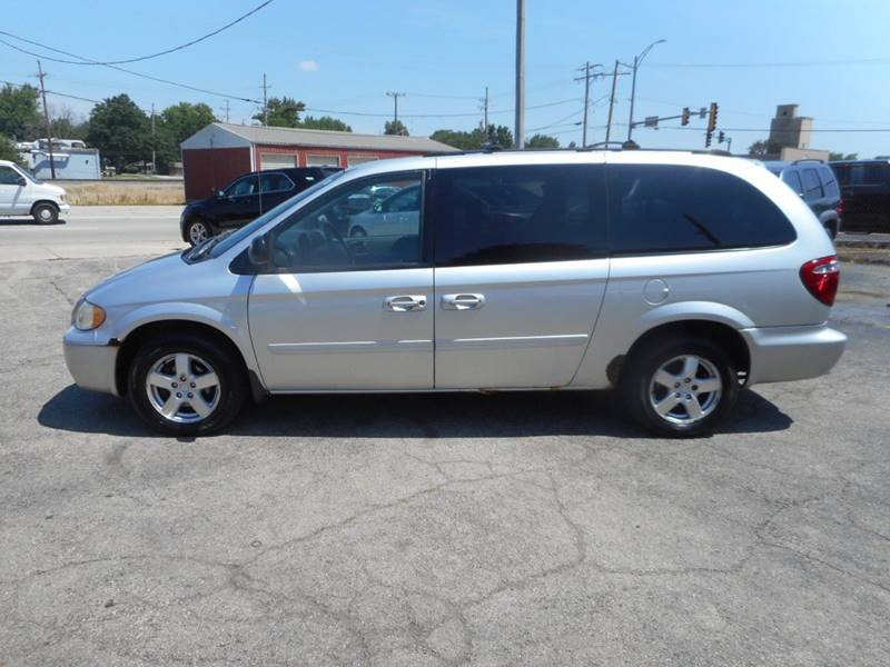 2005 Dodge Grand Caravan SXT 4dr Extended Mini-Van w/ Front, Rear and Third Row Head Airbags - Plano IL