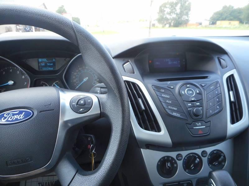 2012 Ford Focus SE 4dr Hatchback - Plano IL