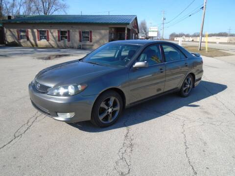 2005 Toyota Camry for sale at RJ Motors in Plano IL
