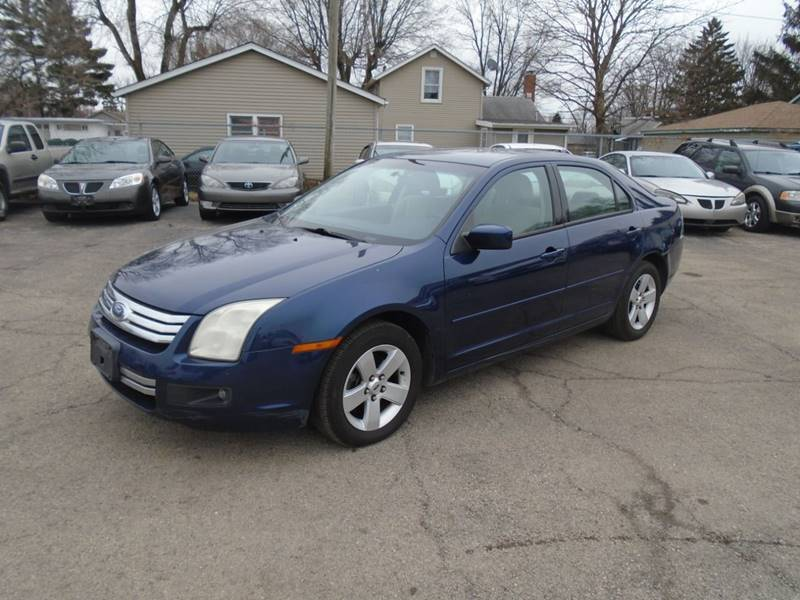 2006 Ford Fusion for sale at RJ Motors in Plano IL