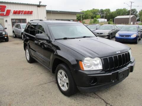 2006 Jeep Grand Cherokee for sale at RJ Motors in Plano IL