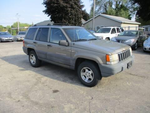 1998 Jeep Grand Cherokee for sale at RJ Motors in Plano IL