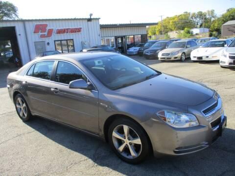 2011 Chevrolet Malibu for sale at RJ Motors in Plano IL