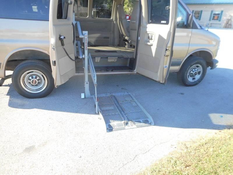 2002 GMC SAVANA PASSENGER 2500 3DR PASSENGER VAN tan wheel chair lift bumper color - chrome fron