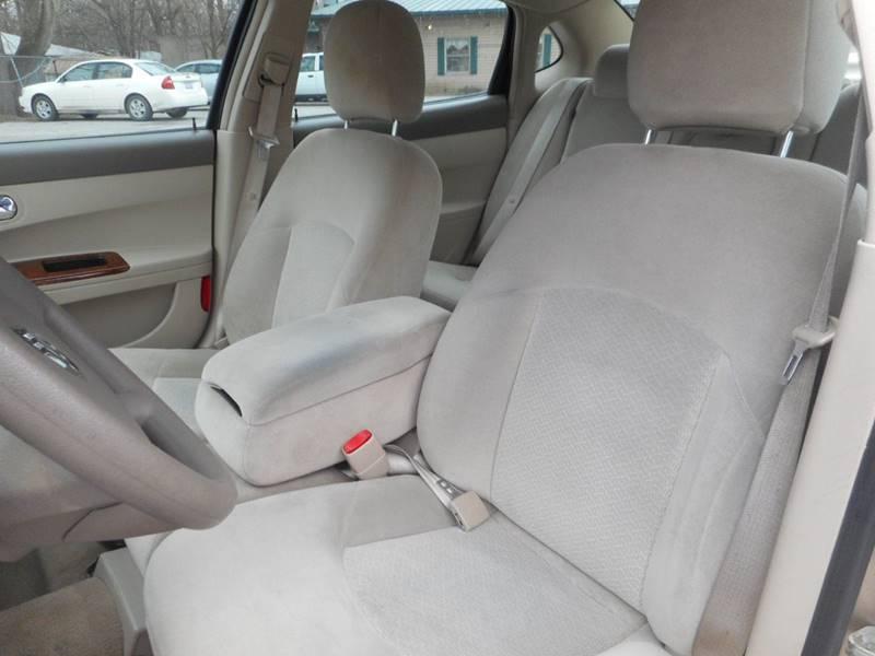 2005 Buick LaCrosse CX 4dr Sedan - Plano IL