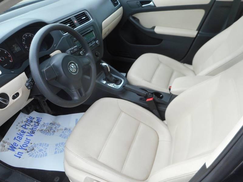 2013 Volkswagen Jetta S 4dr Sedan 6A w/Sunroof (ends 1/13) - Plano IL