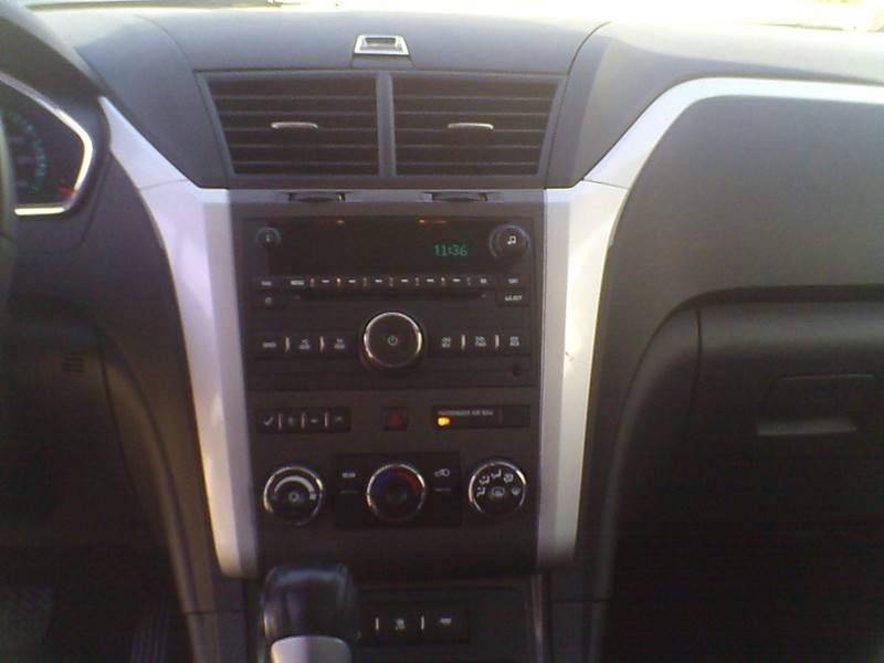 2009 Chevrolet Traverse LT 4dr SUV w/1LT - Center Line MI