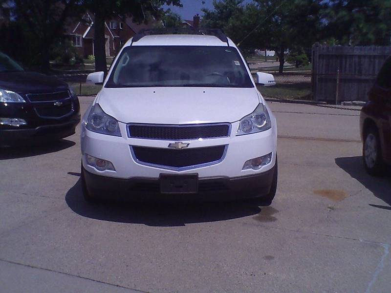 2009 Chevrolet Traverse LT 4dr SUV w/2LT - Center Line MI