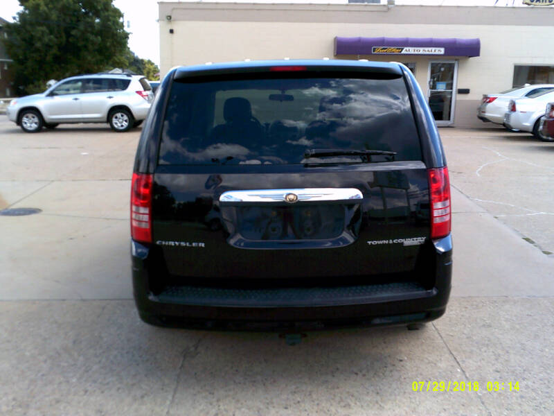 2010 Chrysler Town and Country LX 4dr Mini-Van w/25B - Center Line MI