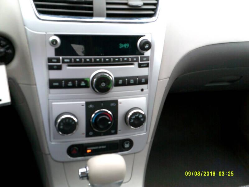 2009 Chevrolet Malibu LS 4dr Sedan - Center Line MI