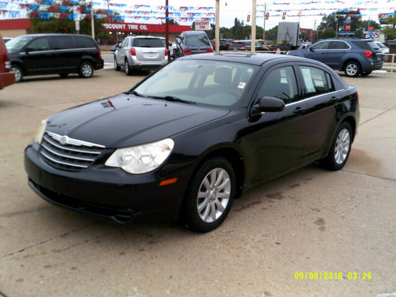 2010 Chrysler Sebring Limited 4dr Sedan - Center Line MI