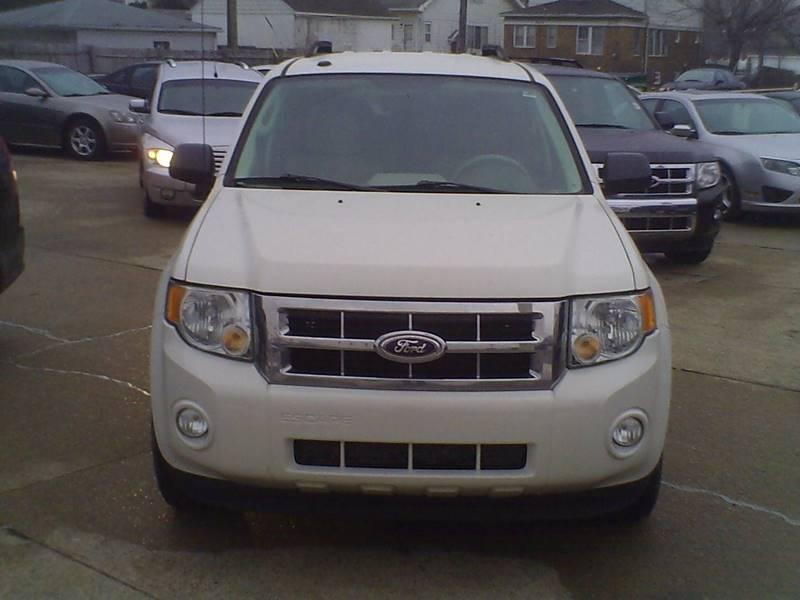 2010 Ford Escape XLT 4dr SUV - Center Line MI