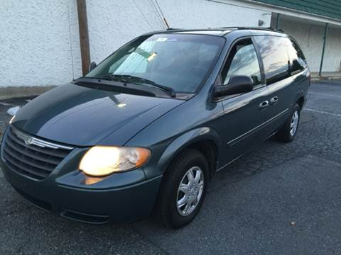 2005 Chrysler Town and Country for sale in Allentown, PA