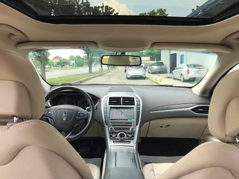 https://cdn04.carsforsale.com/3/1000609/22032292/thumb/1101010999.jpg