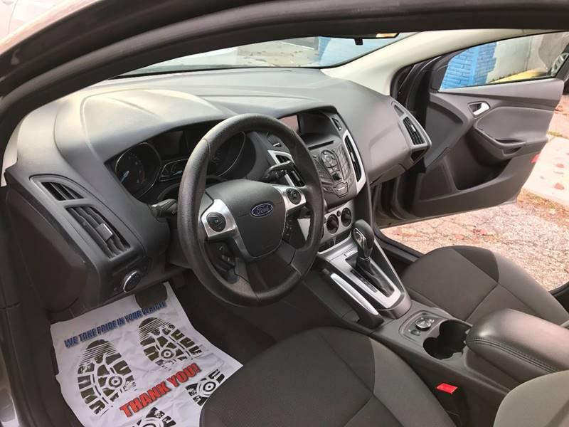 2013 Ford Focus SE 4dr Sedan - Mount Clemens MI