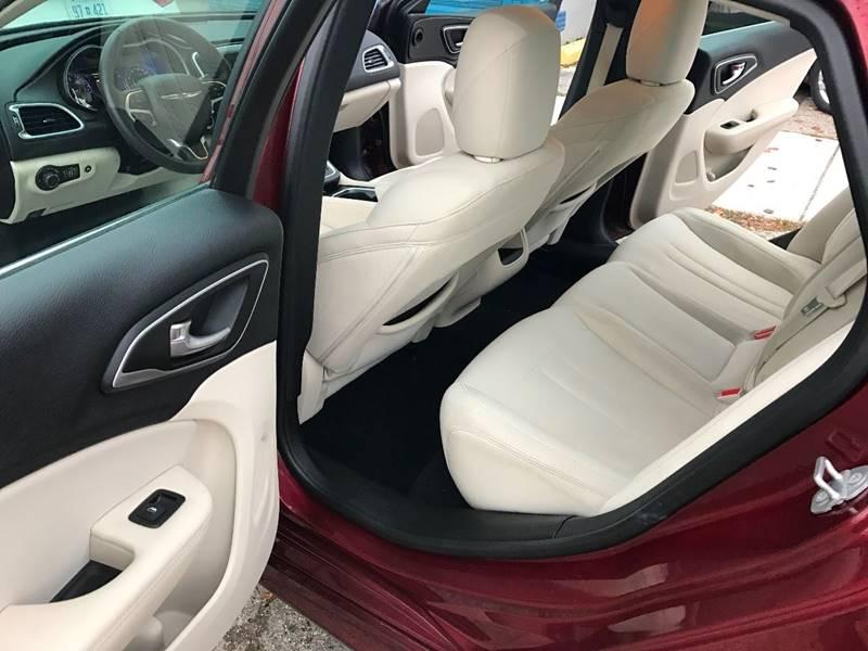 2015 Chrysler 200 Limited 4dr Sedan - Mount Clemens MI