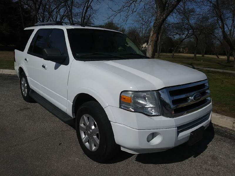 dfw rwd texas ford row eddie month white best car el expedition granbury suv dealer bauer tdy sales