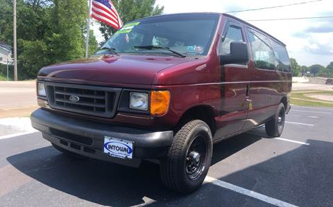2004 Ford E-Series Wagon for sale in Conneaut, OH