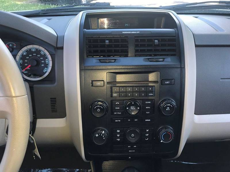 2010 Ford Escape XLS 4dr SUV - Louisville KY