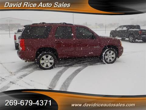 2008 GMC Yukon for sale in Schoolcraft, MI