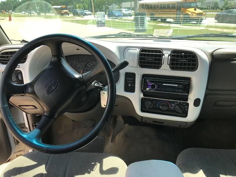 2001 Chevrolet S-10 2dr Extended Cab 2WD SB - Newport News VA