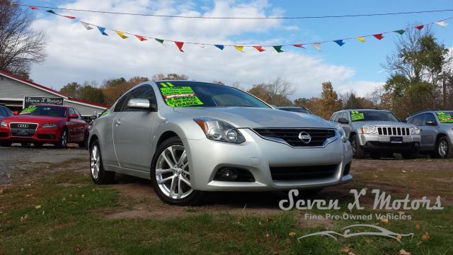 2011 Nissan Altima 3.5 SR 2dr Coupe 6M   Mongaup Valley NY