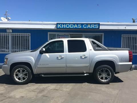 2010 Chevrolet Avalanche for sale at Khodas Cars in Gilroy CA
