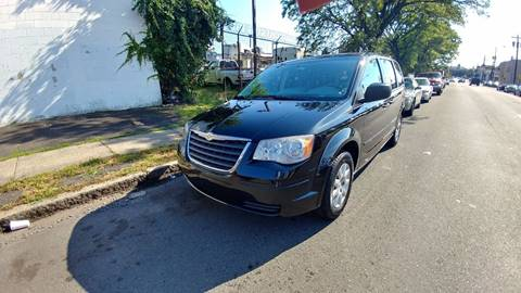 2008 Chrysler Town and Country for sale in Elizabeth NJ