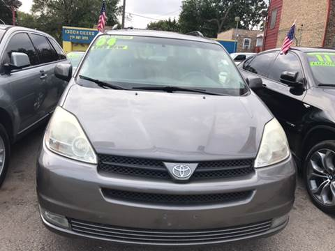 2004 Toyota Sienna for sale at HW Used Car Sales LTD in Chicago IL