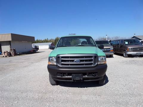 2004 Ford F-350 Super Duty for sale at AUTO FLEET REMARKETING, INC. in Van Alstyne TX