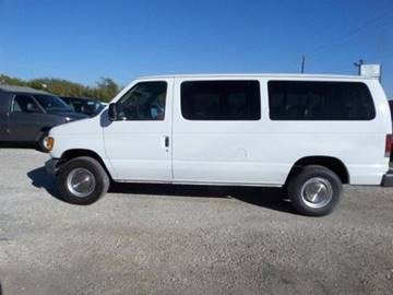2003 Ford E-Series Wagon for sale at AUTO FLEET REMARKETING, INC. in Van Alstyne TX