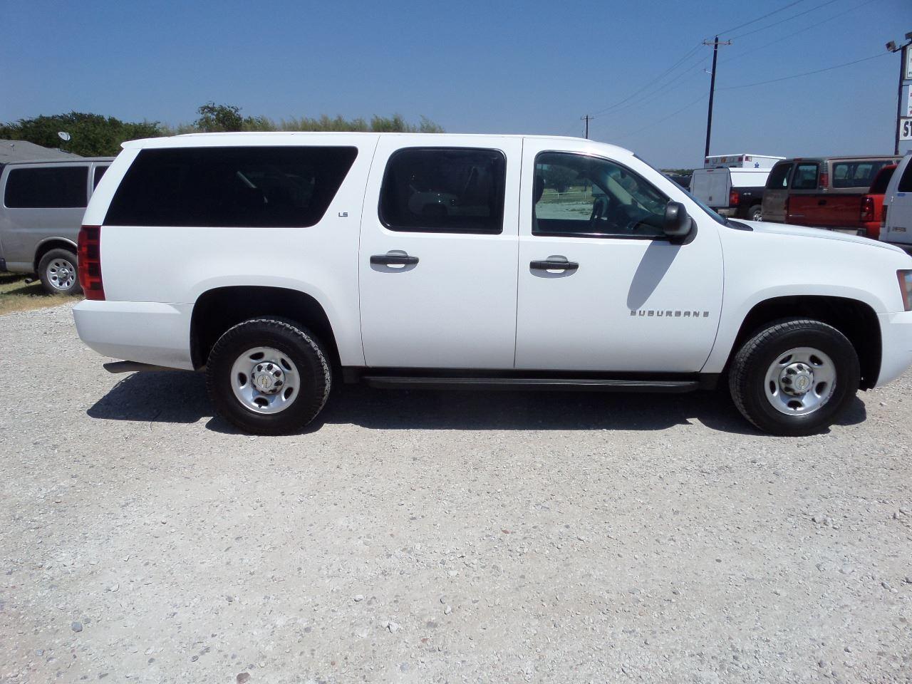 2009 Chevrolet Suburban for sale at AUTO FLEET REMARKETING, INC. in Van Alstyne TX