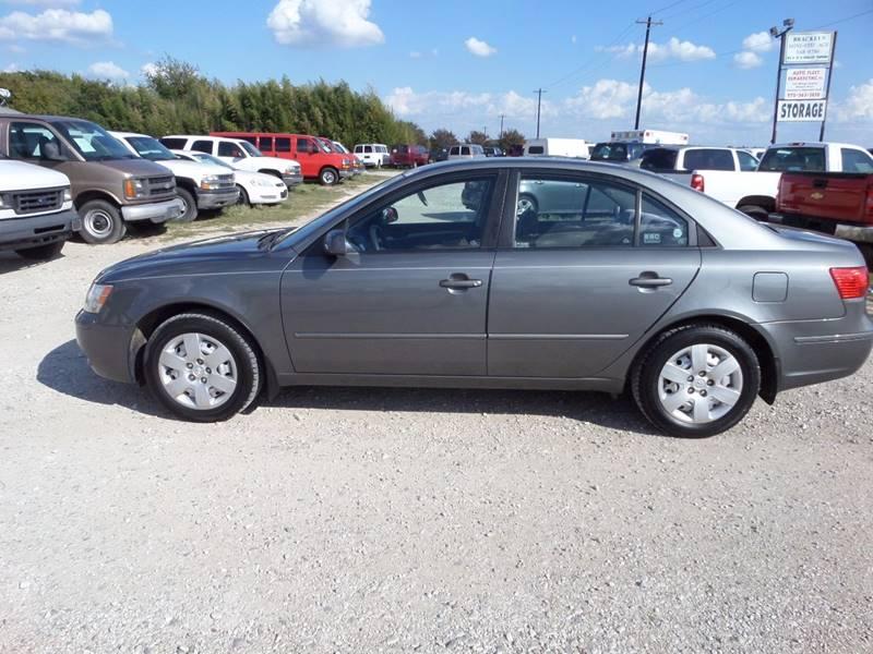 2009 Hyundai Sonata for sale at AUTO FLEET REMARKETING, INC. in Van Alstyne TX