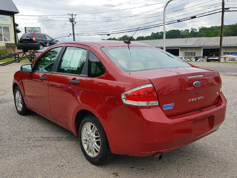 2009 Ford Focus for sale at AUTOFINDERS LLC in Laconia NH