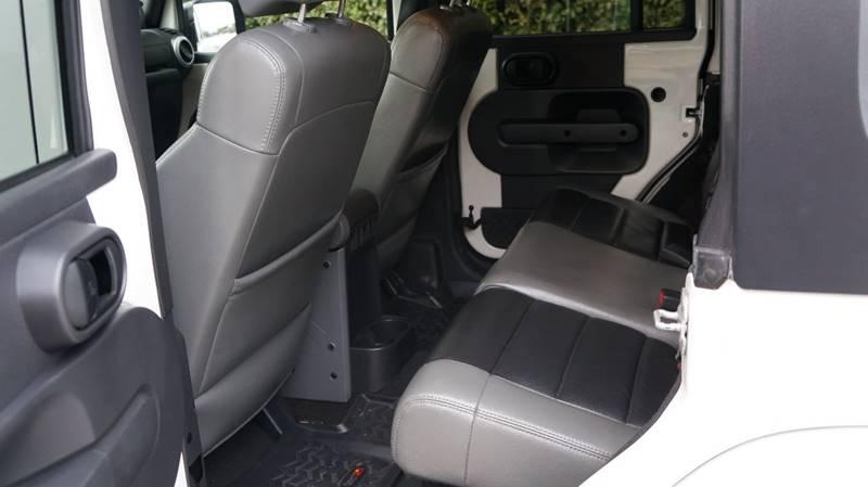 2010 Jeep Wrangler Unlimited 4x4 Sahara 4dr SUV - Altamonte Springs FL